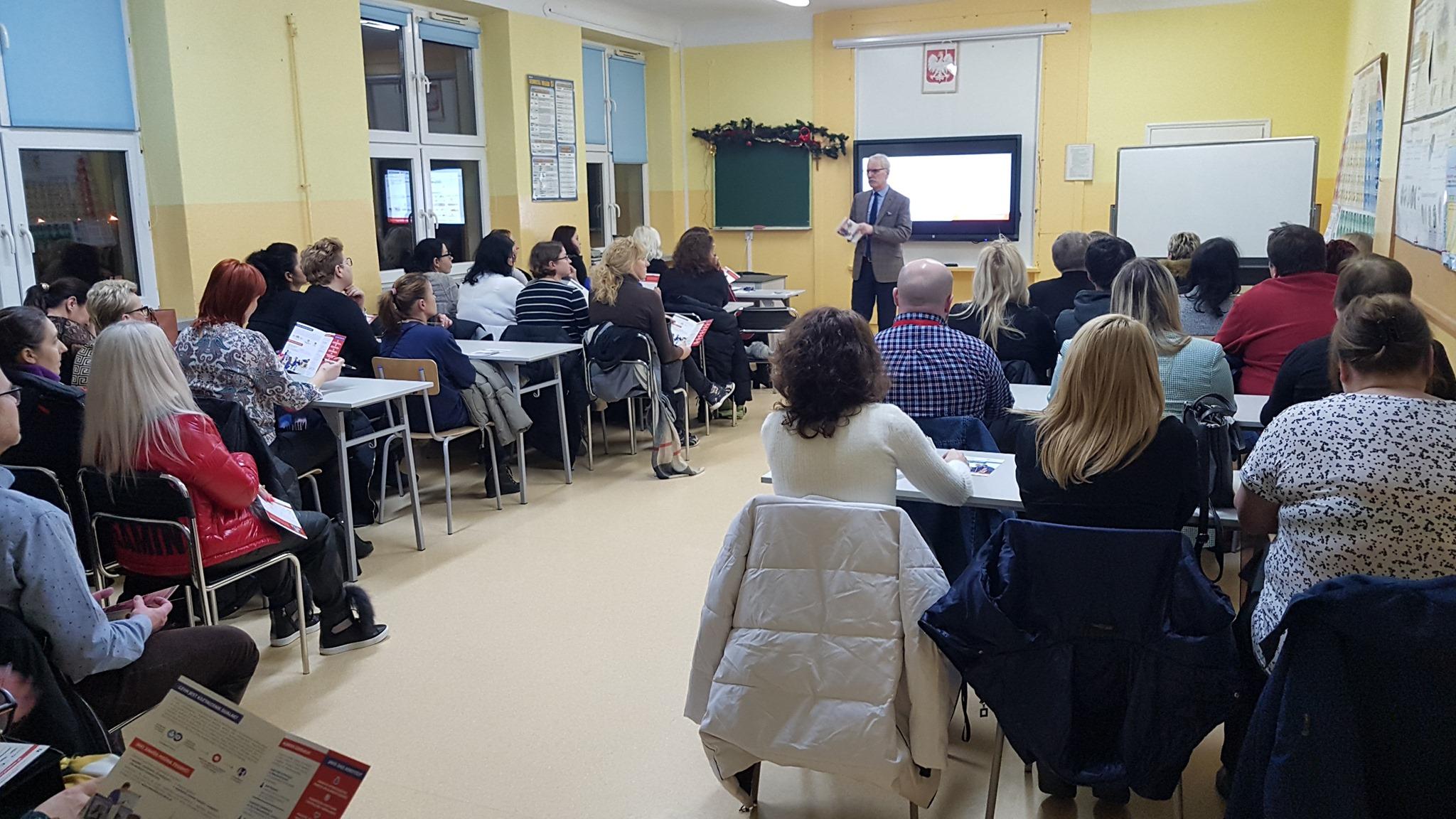 """Zakończenie spotkań z rodzicami ośmioklasistów radomskich szkół podstawowych w ramach projektu """"Mój zawód moja przyszłość"""""""